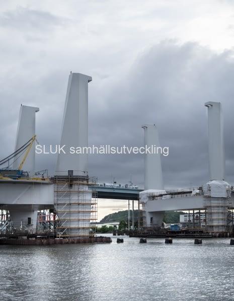 Under lördagen den 25 juli var alla pylonerna monterade.