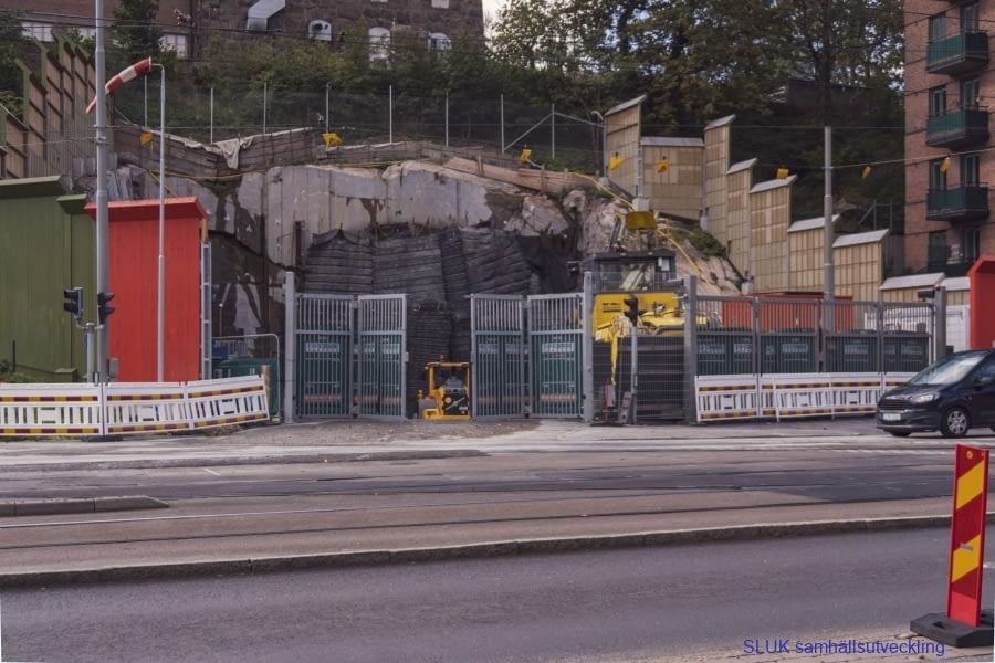 Tunnel  har sprängts  på Södra vägen mot Mölndal och arbeten pågår där