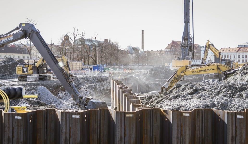 I Rosenlund pågår intensivt arbete, för att kanalen ska kunna öppnas i april.