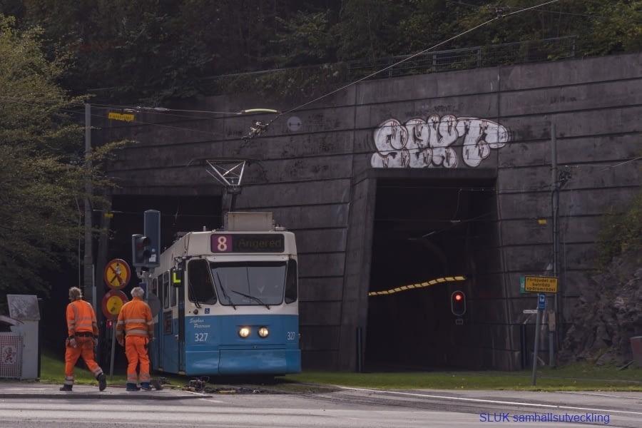 Här kommer spårvagnen från Chalmers i den befintliga tunneln.