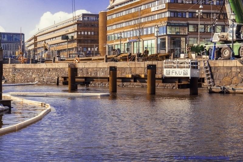 Vy över den avstängda Rosenlundsbron