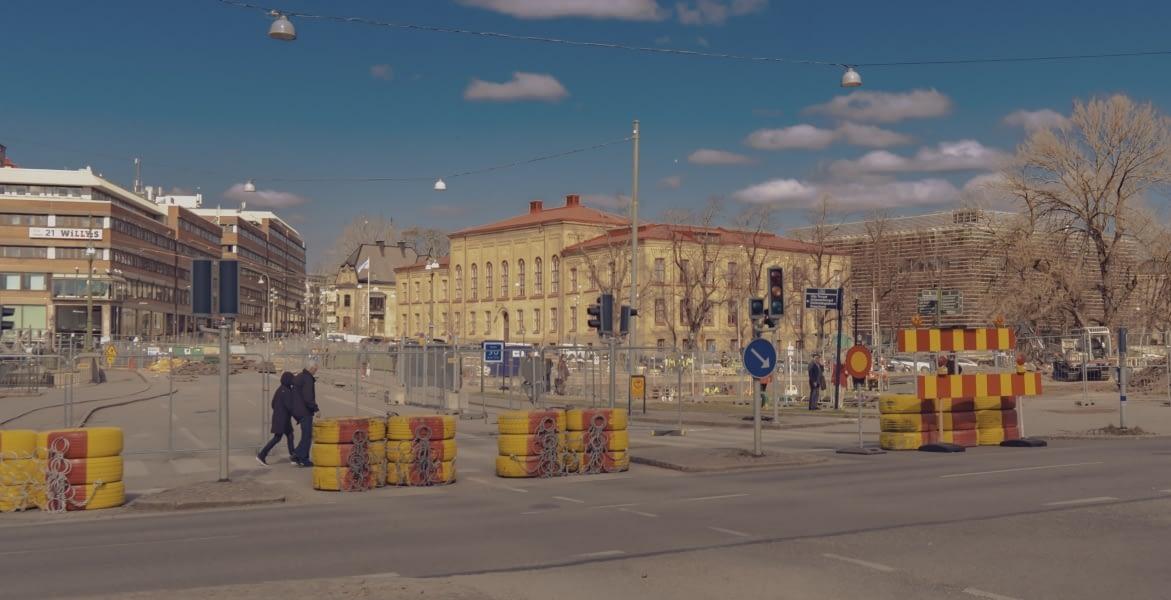 Nu är Rosenlundsbron avstängd helt och hållet