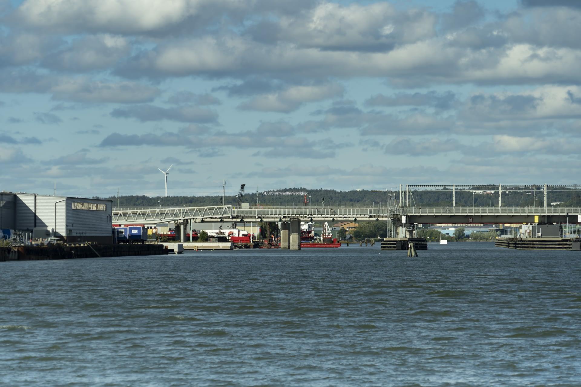Åt andra hållet finns Marieholmsförbindelsen.