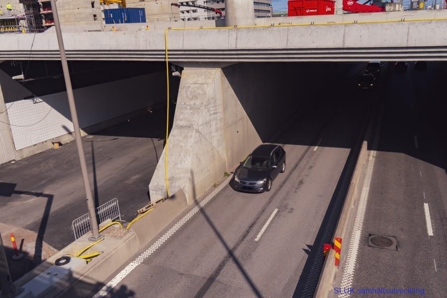 Den vänstra tunneln är ännu inte framkomlig