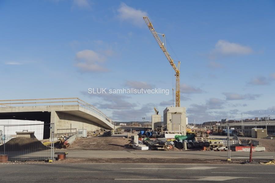 Tvåmiljardersprojektet ska vara helt klart sommaren 2021, men redan ett halvår innan det ska göteborgarna kunna köra även i det södra tunnelröret.