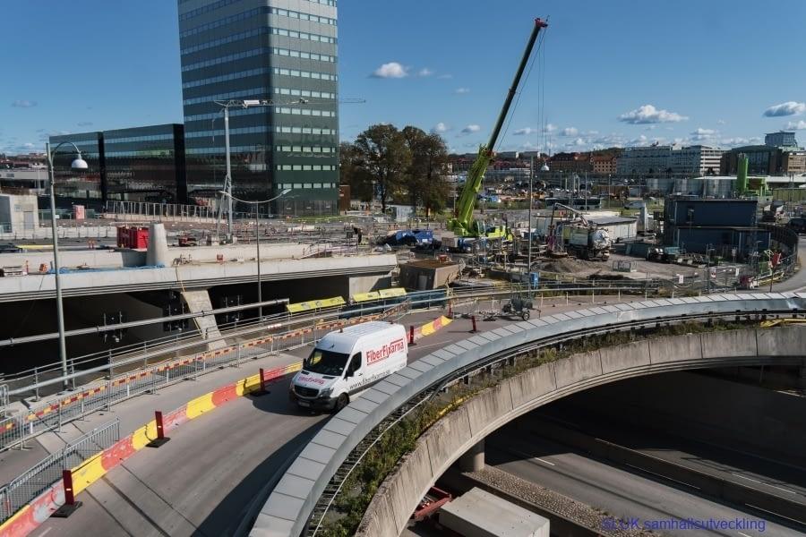 Det är besvärligt att passera Gullbergsvass och stationsområdet