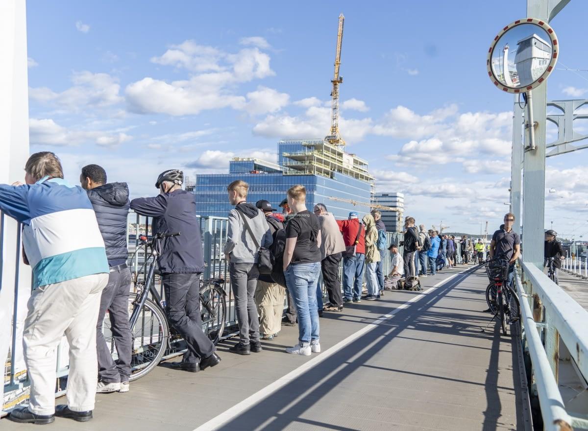 Under sen eftermiddag kom det många intresserade som ville se.
