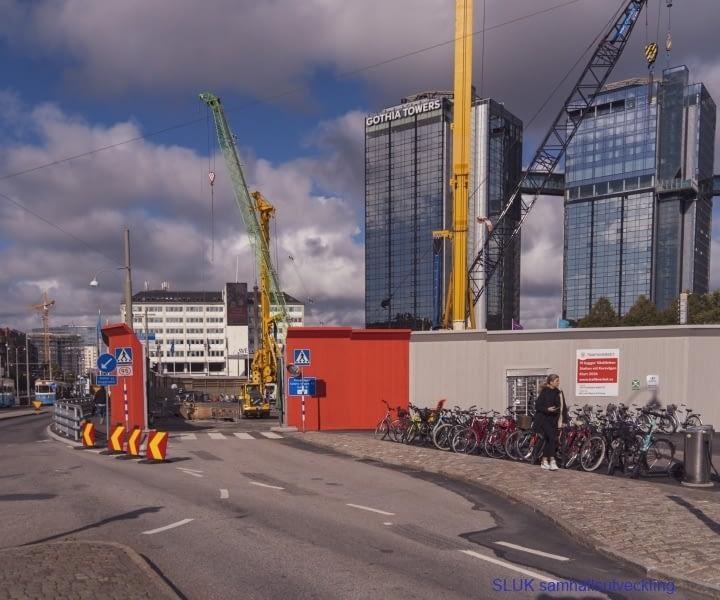 Korsvägen kommer att bli en knutpunkt för kollektivtrafiken och här pågår arbeten för Västlänken