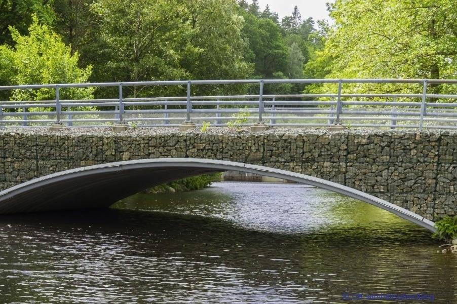 En Gabionbro har byggts i gammal stil vid Alelunden