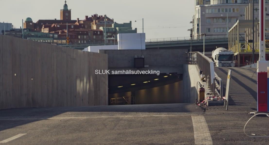 Här syns  den nästan klara Gullbergstunneln som öppnas för trafik i december.