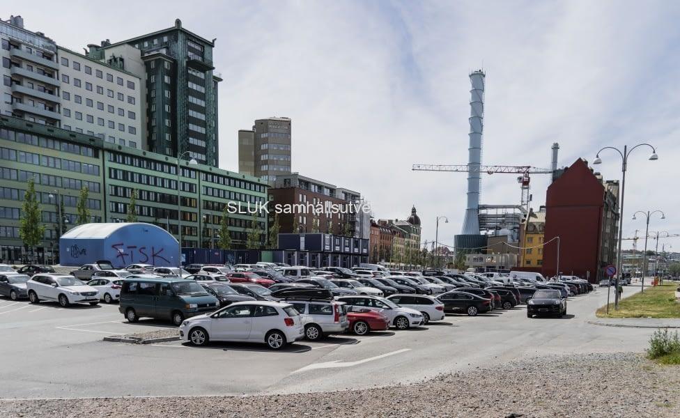 Skeppsbron är för närvarande en stor parkeringsplats.