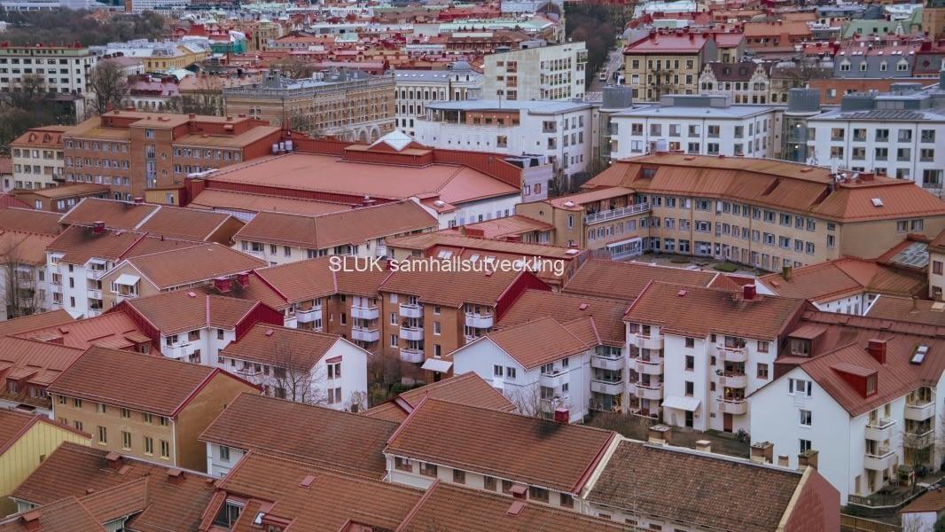 Här är Haga från ovan och Handelshögskolan syns högst upp. på bild.