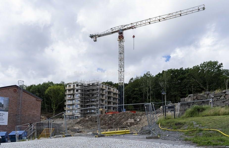 Här byggs det på den östra sidan vid Mölnlycke fabriker