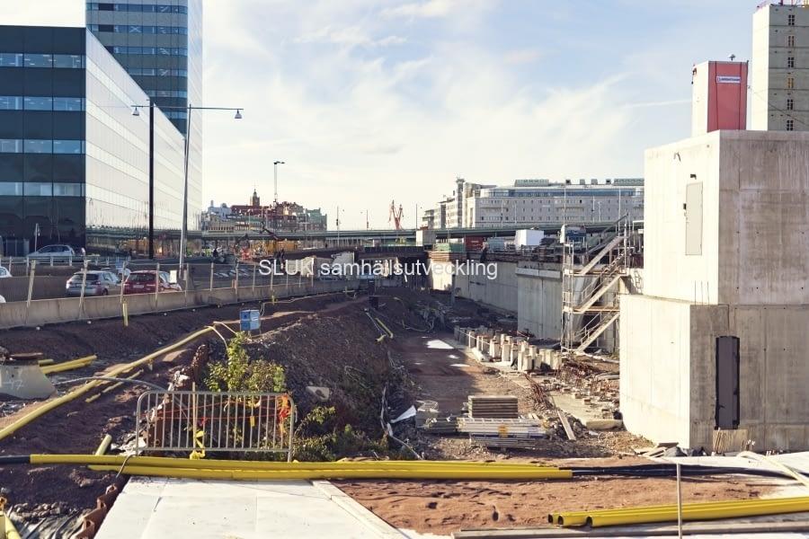 Området mellan Centralstationen och Göta älv är en av de mest expansiva delarna i Göteborg där inte mindre än fem stora projekt huserar samtidigt. Det handlar bland annat om en del av Västlänken, den nya Hisingsbron och det sammanlagt 60 000 kvadratmeter stora kontors- och hotellkomplexet Platinan.