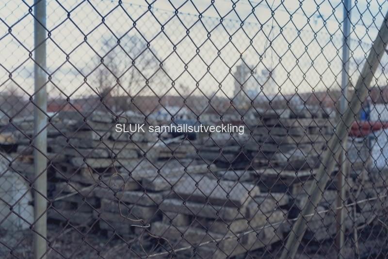 Det förefaller som att där Gasklockan fanns innan rivning, nu används som depå för material
