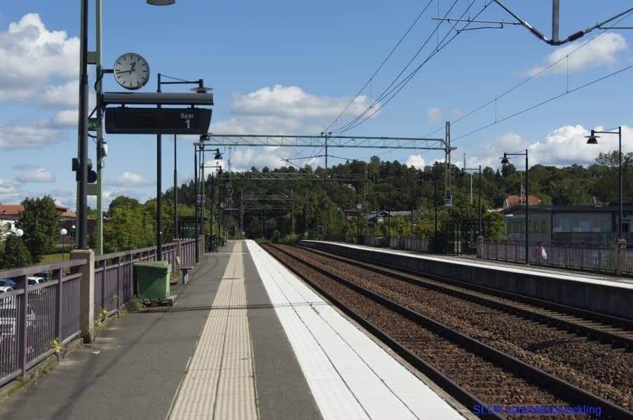 Dubbelspår i Mölnlycke, här stannar regiontåget
